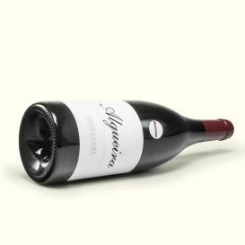 Algueira Merenzao, un vino tinto elaborado con la uva usada por los romanos para construir sus bancales en la Ribeira Sacra.