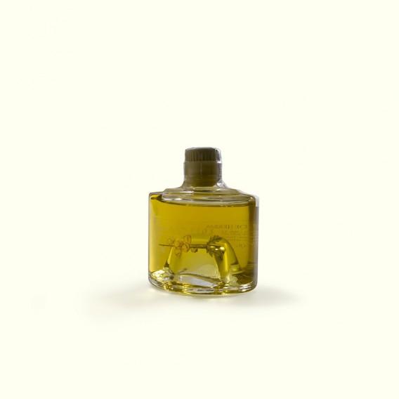 Este licor de hierbas es un homenaje a las recetas tradicionales del Ribeiro, donde hay tantas casas como recetas de licor.