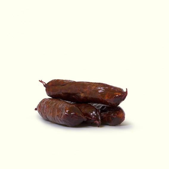 Chorizos curados de porcos celtas criados en libertad y alimentados con castañas y landras en los soutos del Caurel.