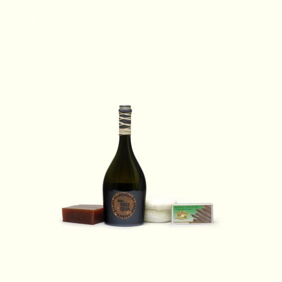 Un vino único, un queso de reyes, anchoas artesanas del cantábrico y membrillo, para que tu madre lo comVine como quiera.