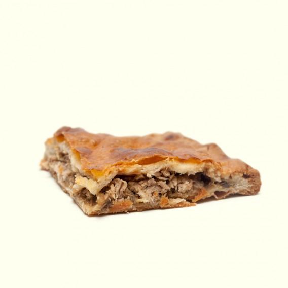 Empanada de ventresca de bonito tradicional gallega