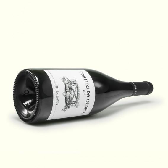 Si quieres disfrutar del fornido cuerpo de la uva Brancellao, hinca la rodilla ante el Pórtico da Gloria de Ronsel do Sil.