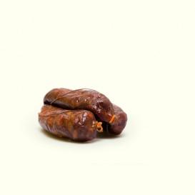 Chorizos caseros ahumados por Pio siguiendo la receta familiar que heredó de sus abuelos. Los clásicos chorizos de aldea.