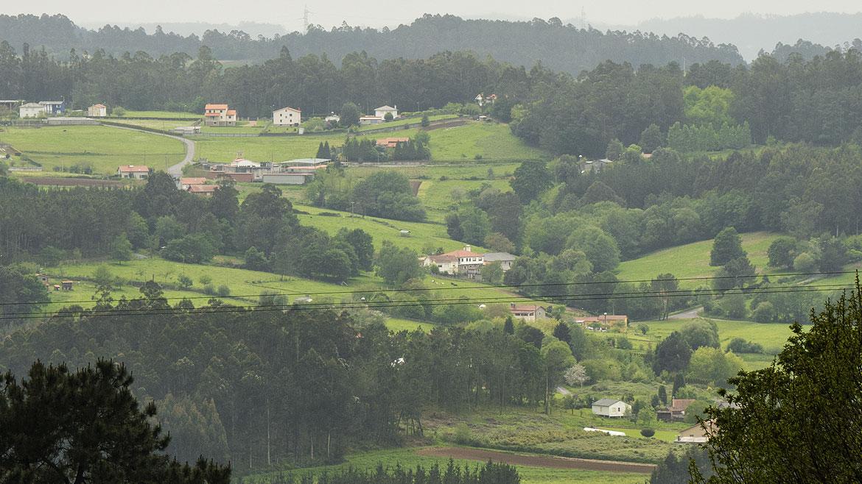 Estamos en Carres, una pequeña aldea de A Coruña, pero entregaremos tus cestas de navidad de Galicia a cualquier punto de la península ibérica, incluyendo Portugal y Andorra